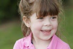 Sorridere del bambino in giovane età fotografie stock