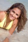 Sorridere della donna del bikini Fotografia Stock