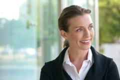 Sorridere della donna di affari di carriera Fotografie Stock Libere da Diritti