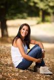Sorridere della giovane donna Fotografie Stock Libere da Diritti