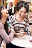 Sorridere delle due bello ragazze Immagini Stock Libere da Diritti