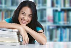 Sorridere dello studente di college Fotografie Stock