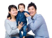 Sorridere felice della famiglia immagini stock libere da diritti