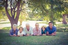 sorridere felice della famiglia della macchina fotografica Fotografia Stock Libera da Diritti