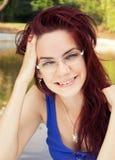 Sorridere felice della giovane donna Immagini Stock