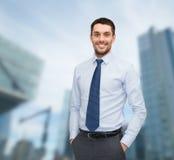 Sorridere giovane ed uomo d'affari bello Immagini Stock Libere da Diritti