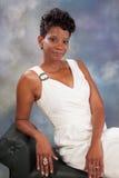 Sorridere grazioso della donna di colore Fotografie Stock