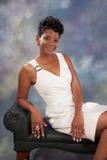 Sorridere grazioso della donna di colore Fotografia Stock