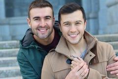 Sorridere splendido della coppia dello stesso sesso fotografia stock
