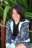 Sorriso adorável da mulher nova fotografia de stock royalty free