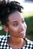 Sorriso africano novo da mulher Imagem de Stock Royalty Free