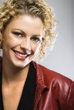 Sorriso bonito da mulher. imagens de stock royalty free