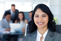 Sorriso bonito da mulher de negócios Fotos de Stock
