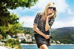 Sorriso bonito do blonde imagens de stock royalty free