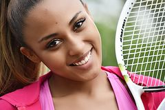 Sorriso colombiano do jogador de tênis do adolescente fotografia de stock
