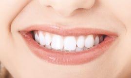 Sorriso com dentes brancos fotos de stock