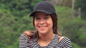 Sorriso consideravelmente adolescente da menina fotografia de stock royalty free