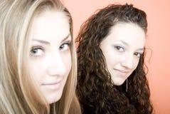 Sorriso das fêmeas Fotos de Stock Royalty Free