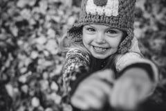 Sorriso de Daugher in camera Fotos de Stock Royalty Free
