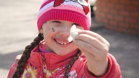 Sorriso doente da varicela da menina video estoque
