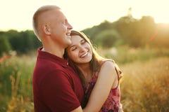 Sorriso dos amantes Fotos de Stock Royalty Free