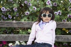 Sorriso exterior da menina bonita Fotografia de Stock