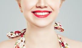 Sorriso fêmea feliz com dentes brancos Imagens de Stock