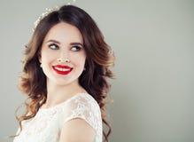 Sorriso feliz da mulher nova Menina atrativa com composição imagem de stock royalty free