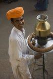 Sorriso grande do chá Wallah imagens de stock royalty free