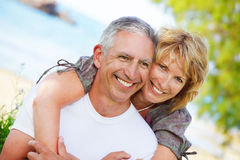 Sorriso maduro dos pares fotografia de stock