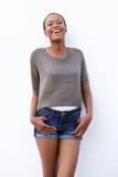 Sorriso modelo fêmea africano novo Fotos de Stock