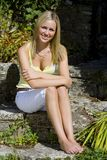 Sorriso na luz do sol demasiado foto de stock royalty free