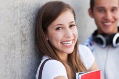 Sorriso novo dos pares Imagens de Stock