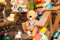 Sorriso tailandês Clay Dolls Imagens de Stock