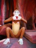 Sorriso tailandese della scimmia della statua Immagini Stock Libere da Diritti