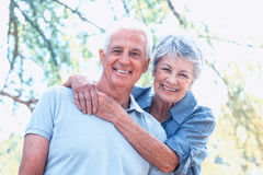 Sorriso velho feliz dos pares foto de stock royalty free