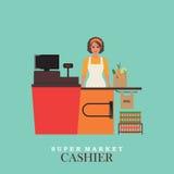 Sorrisos e posição do caixa da mulher no supermercado Imagens de Stock