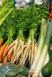 Sorte diferente dos vegetais em um carrinho Foto de Stock