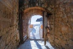 Sortez à la mer de la vieille forteresse Images libres de droits