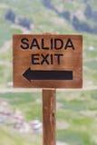 Sortez le signe rustique en bois chez Inca Ruins, Pérou Photo libre de droits