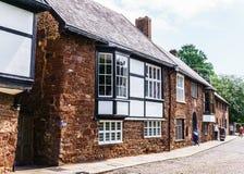 sortie U k 2 juin 2018 Belles, médiévales maisons autour de la place près de la cathédrale d'Exeter Devon, Angleterre occidentale photographie stock