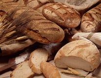 Sortierte Brotlaibe Stockbild