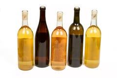 Sortierte bunte Flaschen Wein Lizenzfreie Stockfotografie