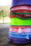 Sortierte Farben von Eimern lizenzfreie stockbilder