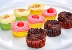 Sortierte kleine Kuchen Lizenzfreies Stockbild
