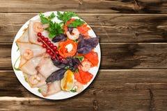 Sortierte Meeresfrüchte auf dem Tisch Stockfotografie