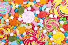 Sortierte Mischung von verschiedenen Süßigkeiten und von Gelees stockbild