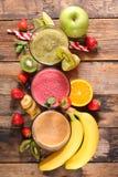 Sortierte Smoothiefrucht lizenzfreie stockbilder