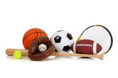 Sortierte Sportausrüstung auf Weiß stockfotos