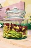 Sortierte Trockenfrüchte im Glas Lizenzfreies Stockfoto